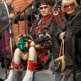 Mike Savad - Music - Bag Pipes - Somerville NJ - Piper resting