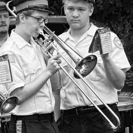 Mike Savad - Music - Trombone - A helping hand