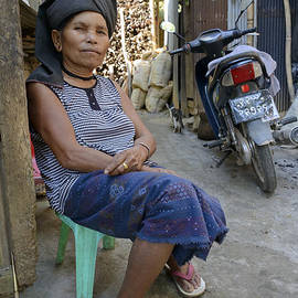 Bob VonDrachek - Myanmar Portrait