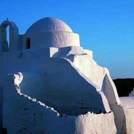 Colette V Hera  Guggenheim  - Mykonos island Greece