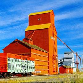 Jeff  Swan - Nanton Grain Elevators