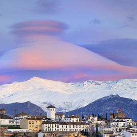 Guido Montanes Castillo - NASA APOD Cap Cloud over the Sierra Nevada