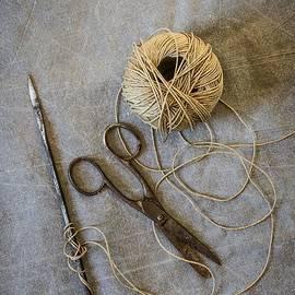 Carlos Caetano - Needle and String