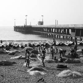 Lee Stickels - Nets A Pier