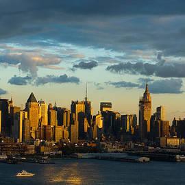Zina Zinchik - New York at dusk