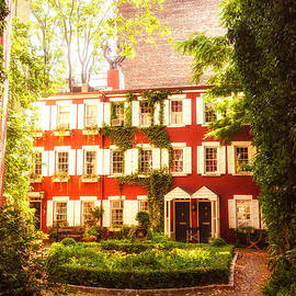 Vivienne Gucwa - New York City - Charming Townhouses