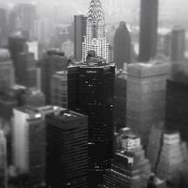 Vivienne Gucwa - New York City - Fog and the Chrysler Building