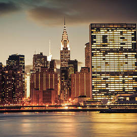 Vivienne Gucwa - New York City Skyline - Evening View