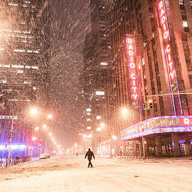 Vivienne Gucwa - New York City - Snow and Empty Streets - Radio City Music Hall