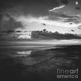 Paul Davenport - Niabyl sunset
