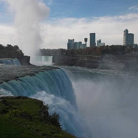 Richard Andrews - Niagara Falls - Autumn