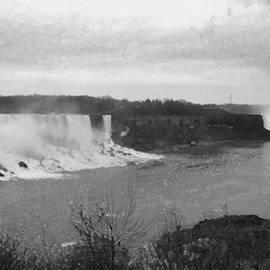 Richard Andrews - Niagara Falls Winter Panorama B n W