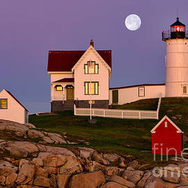 Jerry Fornarotto - Nubble Lighthouse and Moon