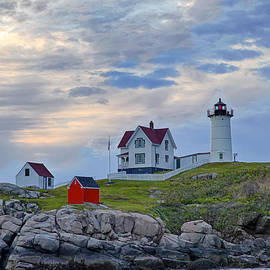 Jack Nevitt - Nubble Lighthouse at sunrise