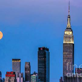 Regina Geoghan - NYC Under the Supermoon