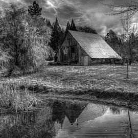 Mike Ronnebeck - Old Barn