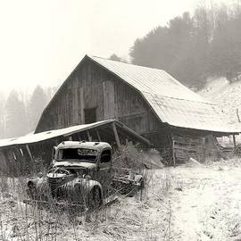 R A W M   - OLD BARN WITH TRUCK