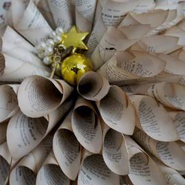 Gillian Singleton - Old book wreath