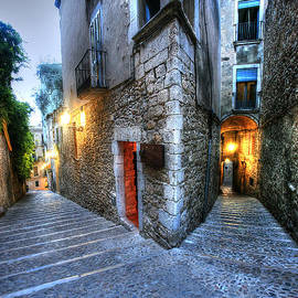 Isaac Silman - Old city Girona