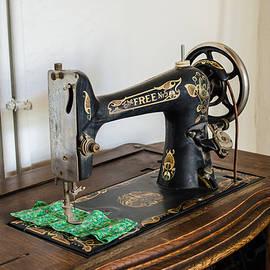 Allen Sheffield - Old Free Sewing Machine