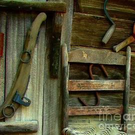 Julie Dant - Old Hanging Ladderback
