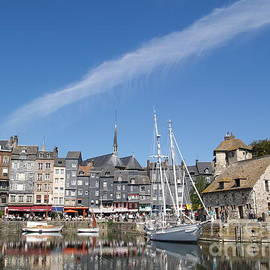 Alex Cassels - Old Harbour of Honfleur