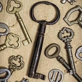 Carlos Caetano - Old Keys