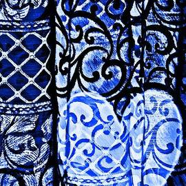 Sarah Loft - Old Love Stories Blue