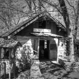 John Straton - Old School House v2