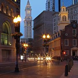Juergen Roth - Old State House and Custom House in Boston