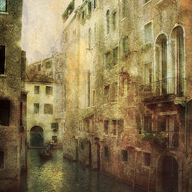 Julie Palencia - Old Venice