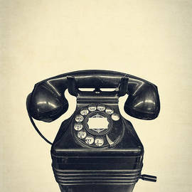 Edward Fielding - Old vintage telephone
