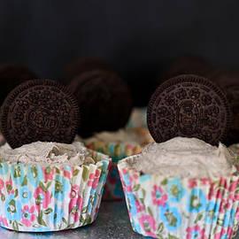 Tracy  Hall - Oreo Cupcakes
