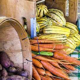 Julie Palencia - Organic Vegetable Farm Stand