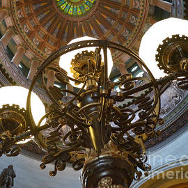 Luther   Fine Art - Ornate Lighting - Sprngfield Illinois Capitol