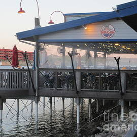Kay Novy - Outdoor Dinning At Bubba Gump