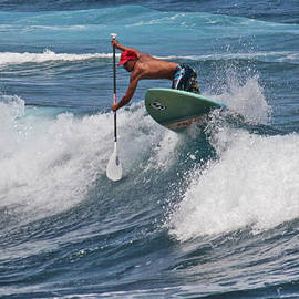 Venetia Featherstone-Witty - Paddle Boarding in Hawaii