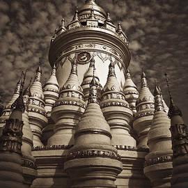 Maria Heyens - Pagoda in Myanmar