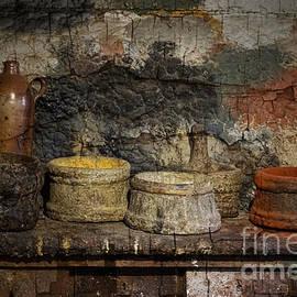 Inge Riis McDonald - Paint Pots