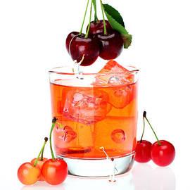 Paul Ge - Painting on sweet cherries miniature art