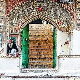 Sue Jacobi - Palace Caretaker Sisodia Jaipur Rajasthan India