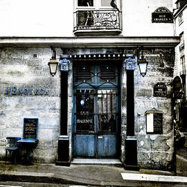 Evie Carrier - Paris Blues
