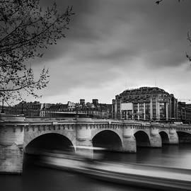 Giuseppe SANSONNE - Passing peniche under the pont neuf bridge