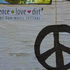 Kandy Hurley - Peace Love Dirt