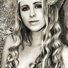Diana Sainz - Perfect Beauty