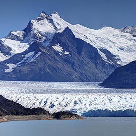 Kim Andelkovic - Perito Moreno Glacier - Snow Top Mountains