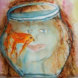 Elaine Duras - Pet Goldfish