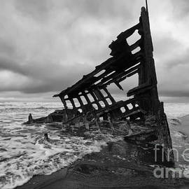 Bob Christopher - Peter Iredale Shipwreck Oregon 1