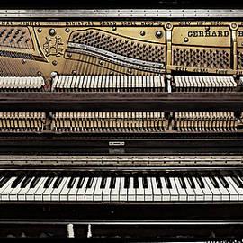 Patrick Chuprina - Piano 2