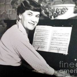 Julie Dunkley - Piano Time